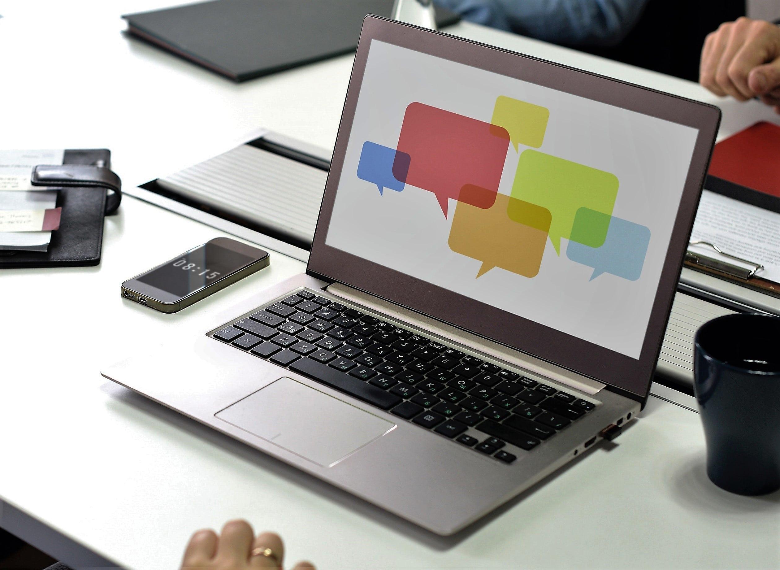 Wie Sie Kollegen anregen im Social Intranet Diskussionen zu führen
